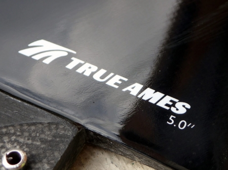 TRUE AMES Small Box with 1.5 Overhang